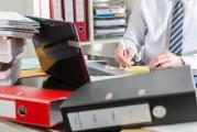 Un notaire cherche un employé pour tamponner ses actes
